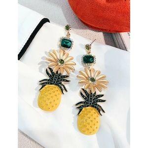 Rhinestones Engraved Daisy & Pineapple Earrings